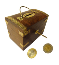 Saaga Brown Sheesham Wood Coin Box